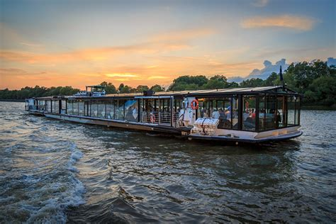 Buy A Boat In London by Bateaux London Classic Thames Dinner Cruise For Two