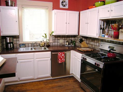 Painting Kitchen Cabinets  Howtos  Diy