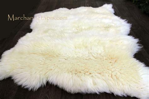 tapis peau de mouton 2 peaux blanc naturel origine uk slection par marchand de tapis