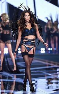 Victoria's Secret Angel Lily Aldridge stays dry under ...