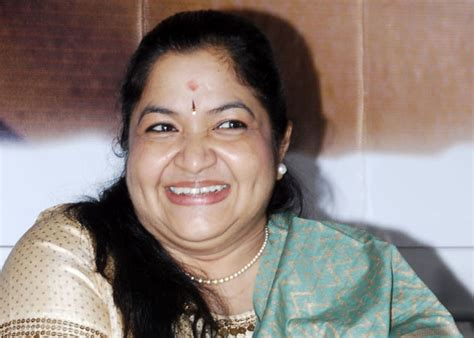 K S Chithra Photos, Pictures, Wallpapers