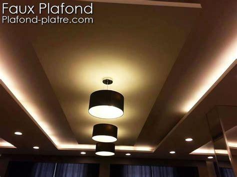 plafond platre en beige et marron faux plafond suspendu et tendu