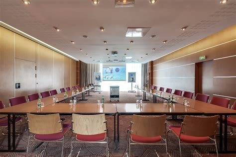 meeting room of 77sqm 17