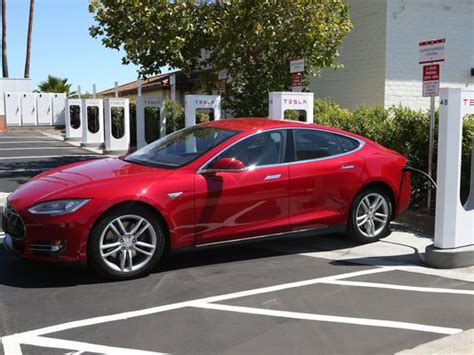 no more range anxiety in a tesla model s says elon musk the green optimistic