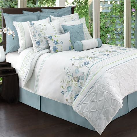 8 Trendy Bed Linens In Florals  Nidhi Saxena's Blog About