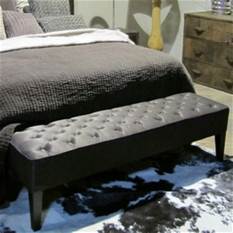 banc bout de lit noir