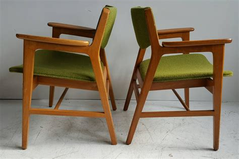 classic mid century modern armchairs manufactured by w h gunlocke chair co for sale at 1stdibs