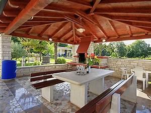 Grillplatz Bauen Garten : ferienwohnung gulic porec istrien kroatien frau tatjana gulic pisarevic ~ Markanthonyermac.com Haus und Dekorationen