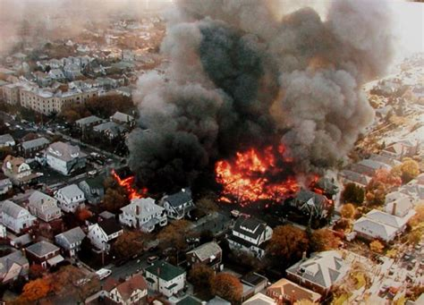 American Airlines Flight 587 Crashes In 2001  Ny Daily News