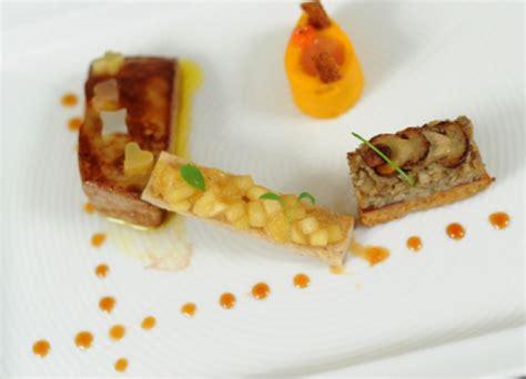 r 233 aliser une assiette de foie gras delpeyrat