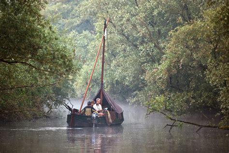 Bootje Biesbos vaartochten door de biesbosch met natuurgidsen han gerda