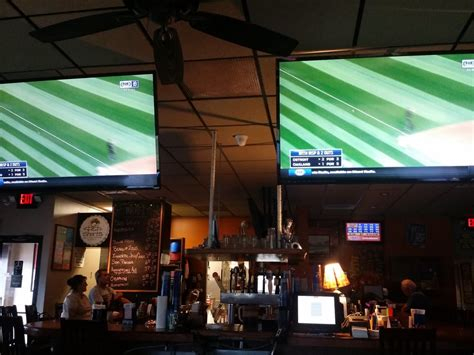 Boat Works Saint Clair Shores by Boat Works Bar Grill 19 Photos 41 Reviews Sports