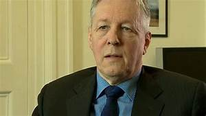 On the Runs: Peter Robinson welcomes NI suspects review ...