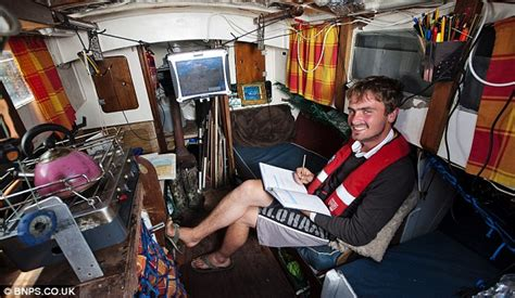 Living On A Boat Full Time Uk by Masters Student Lives Aboard A Yacht He Bought For 163 800 To
