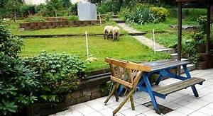 Gartengestaltung Böschung Gestalten : garten am hang bilder und beispiele f r die gestaltung ~ Markanthonyermac.com Haus und Dekorationen