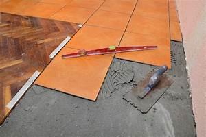 Feinsteinzeug Auf Splitt Verlegen : fliesen aus feinsteinzeug verlegen so wird 39 s gemacht ~ Markanthonyermac.com Haus und Dekorationen