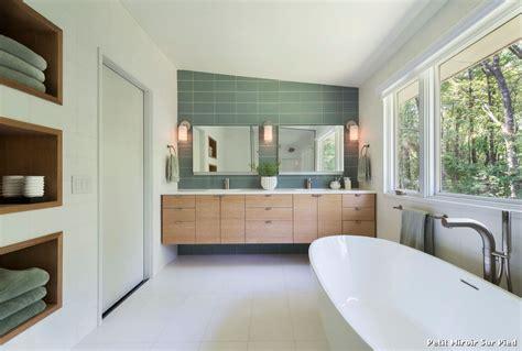 petit miroir sur pied with r 233 tro salle de bain d 233 coration de la maison et des id 233 es de design
