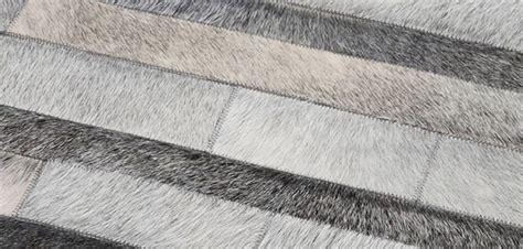 tapis cuir sur tapis chic tapis chic le