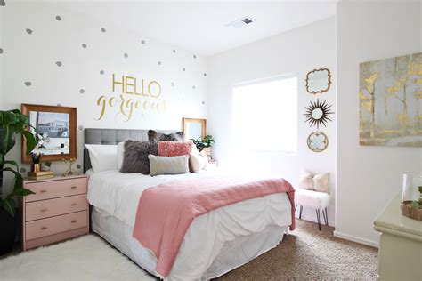 Surprise Tween And Teenage Girl Bedroom Ideas [+makeover] Living Room Design Ideas Channel 4 Antique Accent Tables For With Dark Brown Leather Couches Rustic Farmhouse Furniture The Showrooms In Mumbai Divine Pictures Tv Calculator Neutral Decor Pinterest