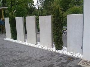 Betonpfosten Für Zaun : sichtschutz mit beton elementen righini garten und landschaftsbau ~ Markanthonyermac.com Haus und Dekorationen