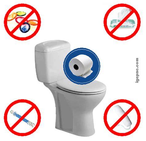 attention danger ne rien jeter dans la cuvette des wc ville au val