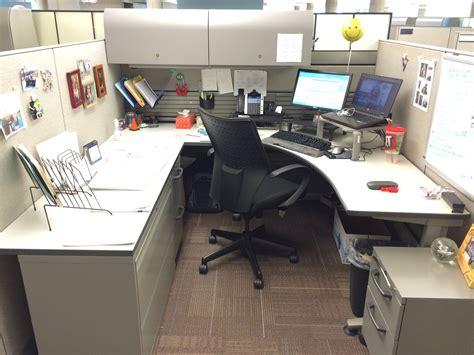 average desk centurylink office photo glassdoor