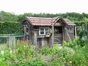 Haus Kaufen Billig : gartenhaus renovieren so erneuern sie anstrich und dach ~ Markanthonyermac.com Haus und Dekorationen