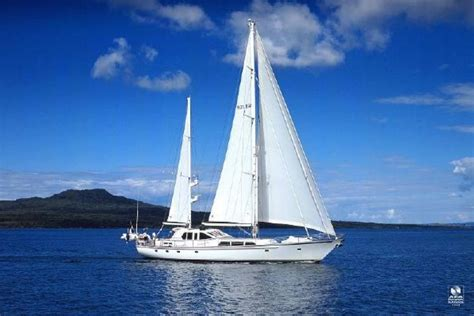 Sailing Boat A Price by Price Reduction Alloy Sailing Ketch