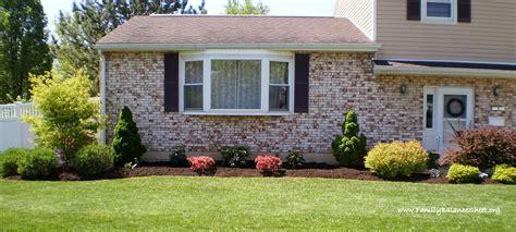Fresh Green Modern Minimalist Front Yard Garden Design