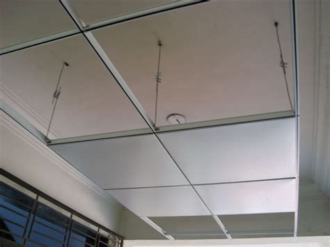 bray ceiling installtions ltd expert fitting of suspended ceilings metal stud partitions