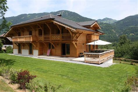 location chalet de luxe chalet d exception au pied des pistes plus de 300m2 8 chambres 8 sdb