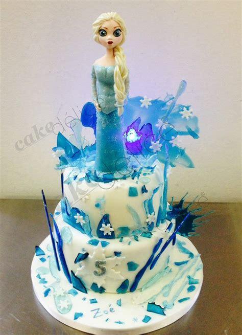 frozen cake g 226 teau reine des neiges en isomalt et p 226 te 224 sucre cakes disney theme