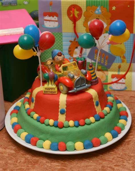 les g 226 teaux d anniversaire et la d 233 coration en p 226 te 224 sucre les d 233 lices d 239 s