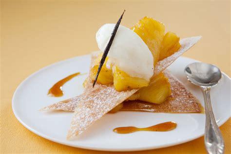 dessert croquant 224 l ananas caram 233 lis 233 224 la vanille et sorbet coco grazia