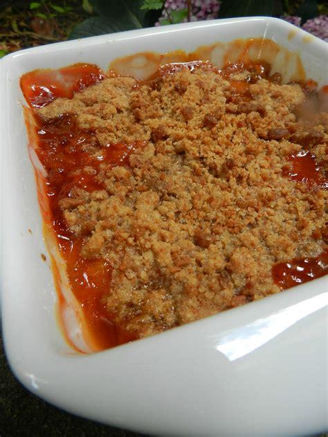 crumble de sp 233 culoos aux nectarines et aux abricots c est pas d la tarte