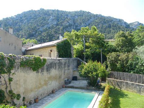 ventes maison de t6 f6 robion avec piscine et jardin au luberon ainsi qu un garage
