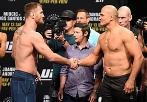 UFC 211: Stipe Miocic vs Junior Dos Santos - Joe Rogan ...
