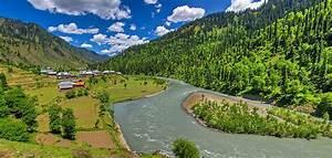 File:Sardari Village, Neelam Valley Azad Kashmir Pakistan ...