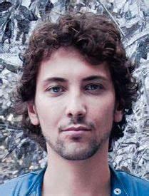Fabien Incardona is a Singer based in Ile-de-France ...