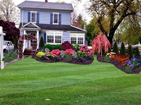 The Front Yard : Hill Front Yard Landscaping Designs