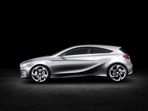Mercedes Previews Small Car Future With A-class Concept