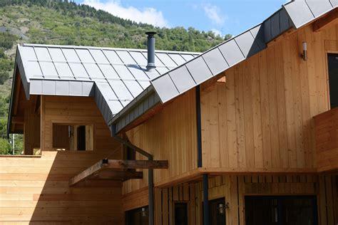 une famille d autoconstructeurs construit un superbe chalet bois bayrou la maison bois par