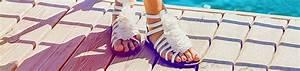 Pflege Für Ledermöbel : 3 tipps f r saubere und bequeme sandalen pflege tipps magazin collonil ~ Markanthonyermac.com Haus und Dekorationen