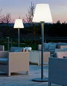 Holzdielen Für Terrasse : garten im quadrat outdoor stehleuchte standy designer stehlampe f r balkon terrasse garten ~ Markanthonyermac.com Haus und Dekorationen