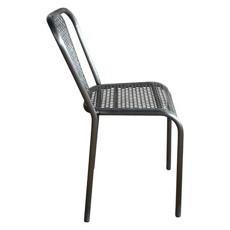 chaise en m 233 tal grise style industriel demeure et jardin