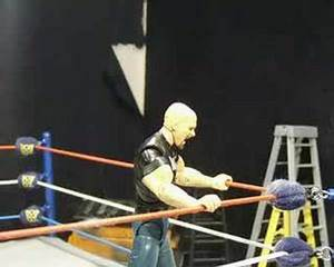 Stone Cold Steve Austin Makes his way to the Ring - YouTube