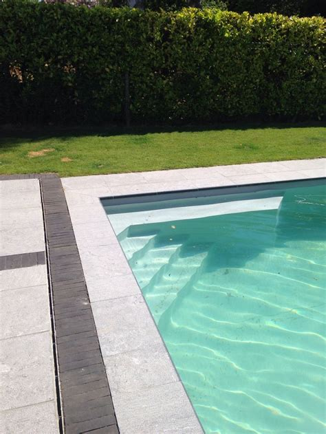 escalier piscine et couleur liner gris clair piscine escalier piscine gris