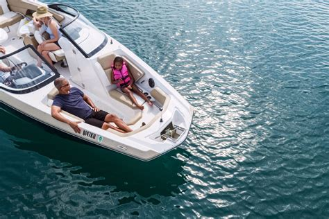 Dream Boat Water by Discover Boating Boating Guide Find Your Dream Boat