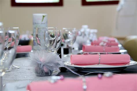 mariage d 233 coration de table gris et blanc instinct d 233 co
