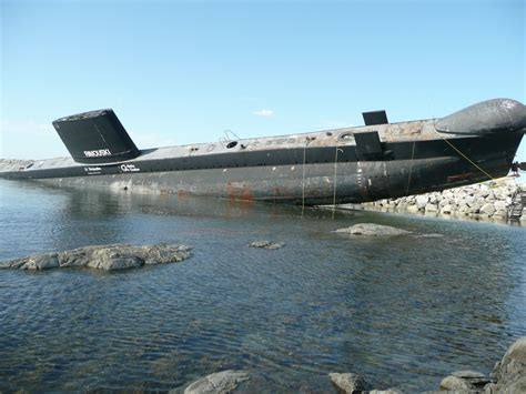 Boating Accident Cape Cod Canal by Septembre 2008 Hmcs Onondaga Oberon Class Tumbles Off